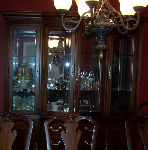 Thomasville Cherry Dining Room Set: 31